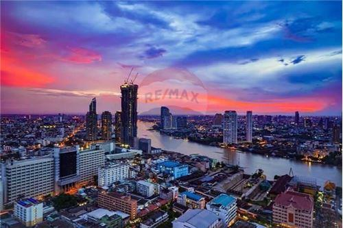 RE/MAX Executive Homes Agency's Rhythm Sathorn for rent 1
