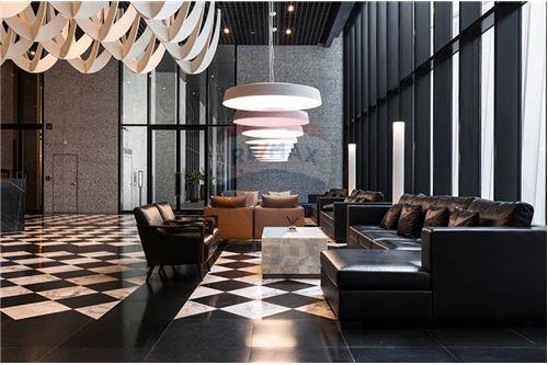 RE/MAX Properties Agency's 1 bed high floor for rent 50,000 Baht!!! 11