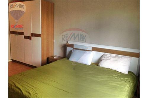 RE/MAX Properties Agency's FOR SALE  RENOVA RESIDENCE CHIDLOM  2BED 79.72SQM 1