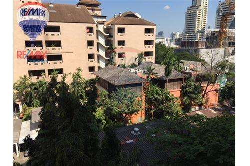 RE/MAX Properties Agency's RENT Phirom Garden Residence 4BED 330SQM. 12