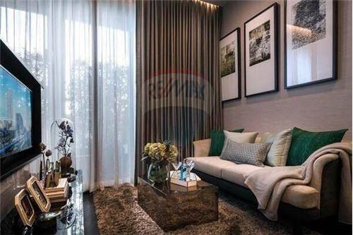 RE/MAX Properties Agency's Sale 1bed high floor Ashton Asoke 2