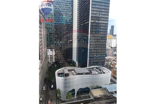 RE/MAX Properties Agency's FOR SALE Noble Ploenchit 1BED 60.94 SQM. 3