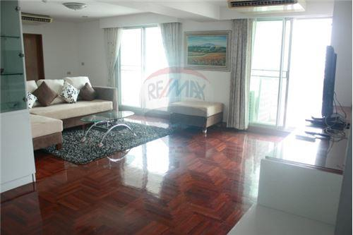 RE/MAX Executive Homes Agency's Royal Castle 3Bed for Sale Phrom Phong BTS 3