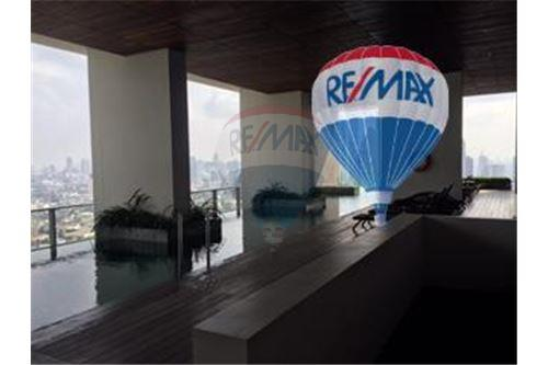 RE/MAX Properties Agency's FOR SALE  THE RIVER    2 BED 78SQM 27
