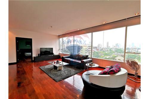 RE/MAX Properties Agency's For Sale Wilshire Condominium 2 Bedroom 5