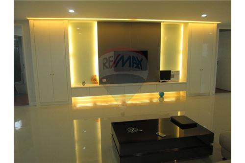 RE/MAX Properties Agency's RENT President Park Sukhumvit 24 3BED 260SQM. 2