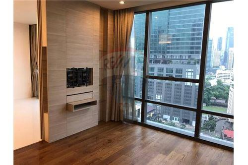 RE/MAX Executive Homes Agency's Spacious 1 Bedroom for Sale The Bangkok Sathorn 1