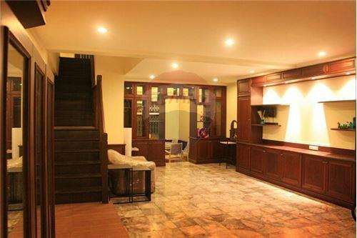 RE/MAX Executive Homes Agency's Townhouse for rent Ekkamai, 4 bedrooms Sukhumvit 1