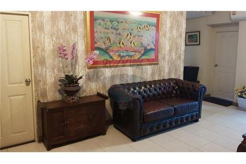 RE/MAX Executive Homes Agency's Nice 2 Bedroom for Sale Supalai Park Ekamai 1