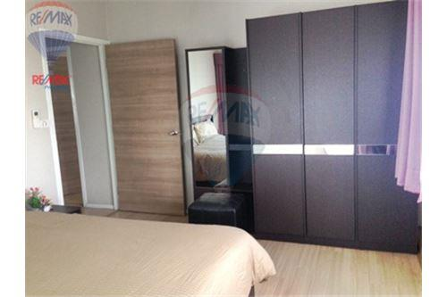 RE/MAX Properties Agency's FOR SALE  RENOVA RESIDENCE CHIDLOM  2BED 79.72SQM 17