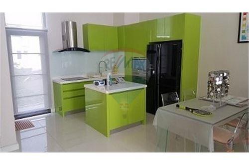 RE/MAX Executive Homes Agency's Nice 4 Bedroom for Sale Parklane Ekamai 22 4