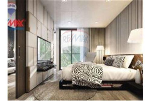 RE/MAX Properties Agency's Condominium For Sale At Baan Siri 24, Khlong Toei, Bangkok 1
