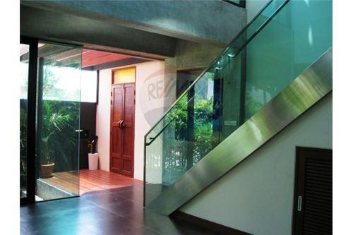 RE/MAX Executive Homes Agency's Modern luxury boutique home in  Thonglor 8