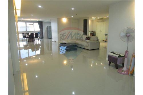 RE/MAX Properties Agency's RENT President Park Sukhumvit 24 3BED 260SQM. 4