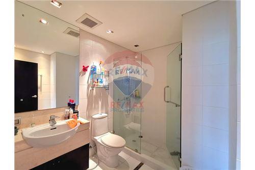 RE/MAX Properties Agency's For Sale Wilshire Condominium 2 Bedroom 7