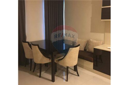 RE/MAX Executive Homes Agency's Spacious 2 Bedroom for Rent Villa Asoke 3