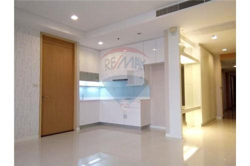 RE/MAX Executive Homes Agency's Spacious 2 Bedroom for Sale Amanta Lumpini 3