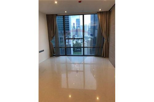 RE/MAX Executive Homes Agency's Spacious 1 Bedroom for Sale The Bangkok Sathorn 4
