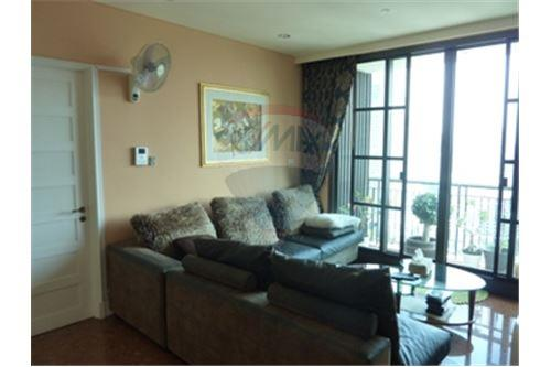 RE/MAX Properties Agency's Condo for Sale at Aguston Condominium sukhumvit 22 1
