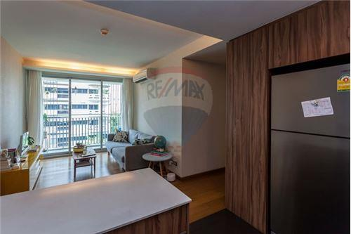 RE/MAX Executive Homes Agency's 2 Bedrooms at VIA Sukhumvit 31 for rent 2