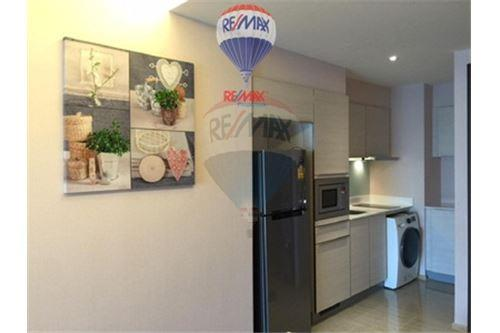 RE/MAX Properties Agency's FOR SALE  H SUKHUMVIT 43  1BED 47.25SQM 10