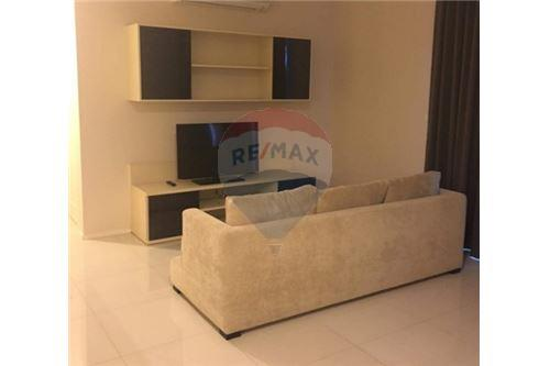 RE/MAX Executive Homes Agency's Spacious 2 Bedroom for Rent Villa Asoke 1