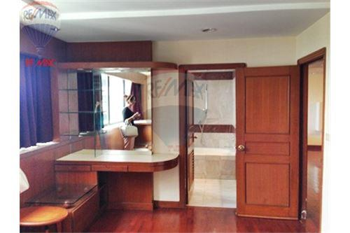 RE/MAX Properties Agency's FOR RENT  PRESIDENT PARK HARBOUR VIEW  3BED 223SQM 16