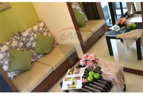 RE/MAX Executive Homes Agency's Nice 1 Bedroom for Rent Silom Forest Residence 2