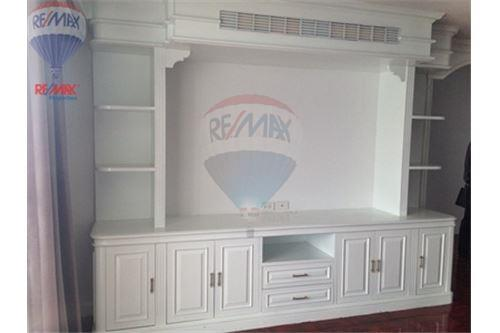 RE/MAX Properties Agency's FOR SALE/RENT D.S. Tower 2Sukhumvit 39 2BED 120SQM 16
