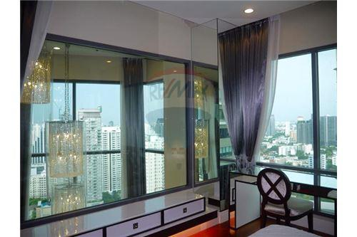 RE/MAX Properties Agency's Sale 3beds Duplex @Bright Sukhumvit 24 11