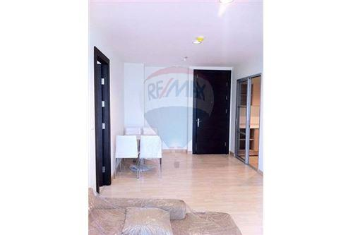RE/MAX Executive Homes Agency's Nice 2 Bedroom for Sale Rhythm Ratchada 1