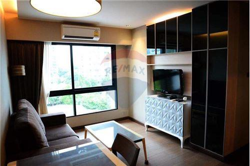 RE/MAX Executive Homes Agency's Spacious 1 Bedroom for Rent Tidy Thonglor 2