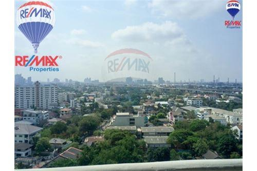 RE/MAX Properties Agency's FOR SALE The Roof Garden On Nut 3BED 230.82SQM 13