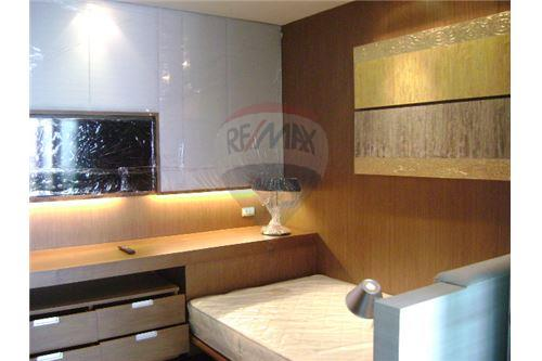 RE/MAX Executive Homes Agency's Apartment for rent  /  3 Bedrooms in Thonglor Area 9
