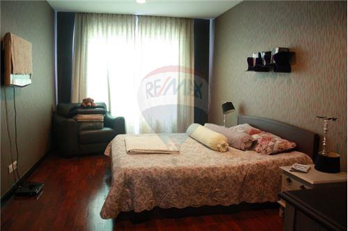 RE/MAX Executive Homes Agency's Wilshire Sukhumvit 22 Phrompong Condo 2 Bedrooms 4