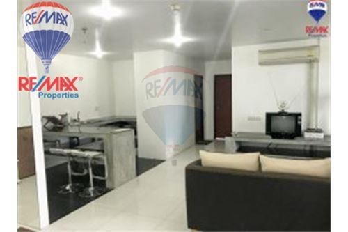 RE/MAX Properties Agency's FOR SALE The Roof Garden On Nut 3BED 230.82SQM 3