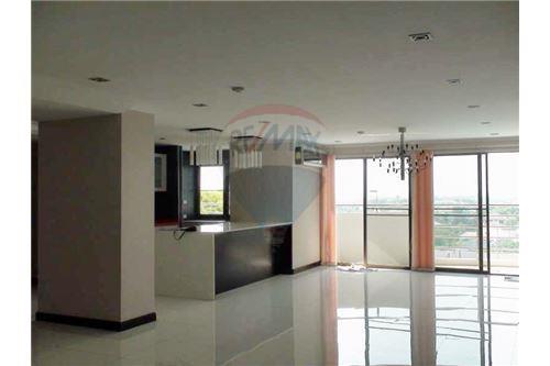 RE/MAX Properties Agency's Floraville Condominium Suite 303 sq.m., 9.5 MB 2