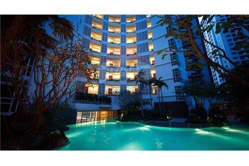 RE/MAX Executive Homes Agency's Nice 2 Bedroom for Sale Baan Rajprasong 7