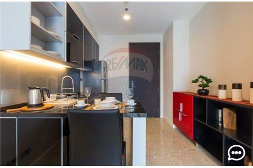 RE/MAX Executive Homes Agency's Lovely 1 Bedroom for Rent Crest 34 4