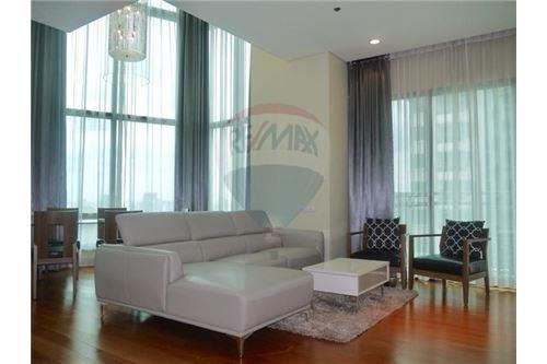 RE/MAX Properties Agency's Sale 3beds Duplex @Bright Sukhumvit 24 1