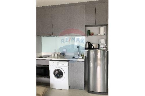RE/MAX Properties Agency's SALE Rhythm Sukhumvit 36-38 1BED 33SQM. 9