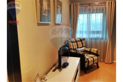 RE/MAX Properties Agency's FOR SALE RENOVA RESIDENCE CHIDLOM  2BED 105SQM 25