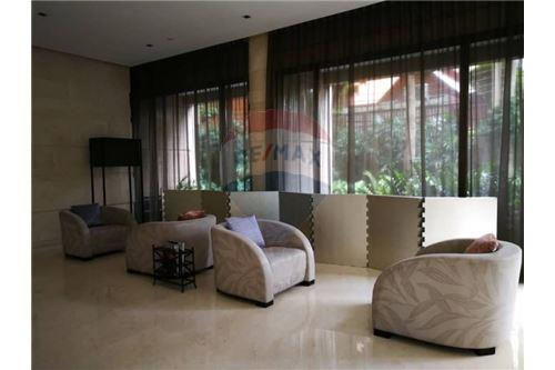 RE/MAX Executive Homes Agency's Nice 3 Bedroom for Rent Prive by Sansiri 5