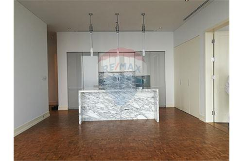 RE/MAX Properties Agency's RENT MahaNakhon Tower 2BED 124SQM. 11