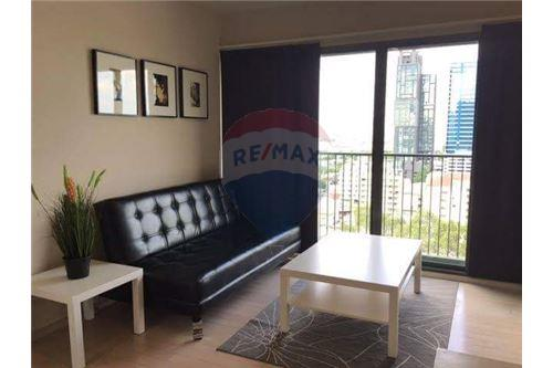 RE/MAX Executive Homes Agency's Spacious 1 Bedroom for Rent Noble Solo 2
