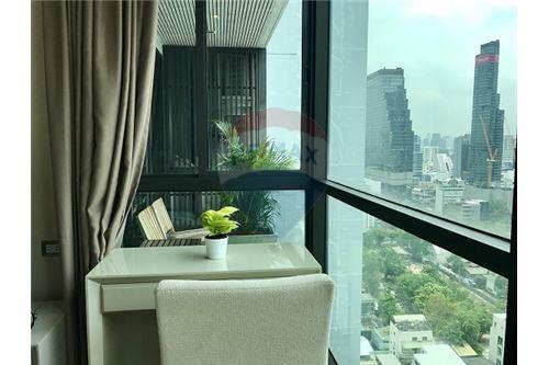 RE/MAX Executive Homes Agency's The Address Sathorn sale/rent 4