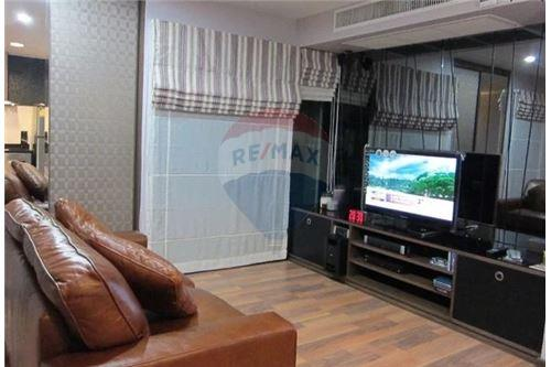 RE/MAX Executive Homes Agency's Nice 1 Bedroom for Sale Renova Residence 1
