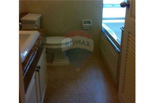 RE/MAX Executive Homes Agency's Nice 3 Bedroom for Rent La Vie En Rose 5