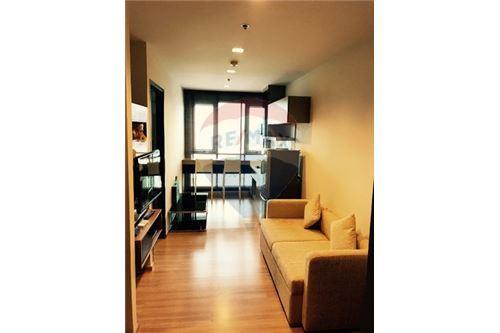 RE/MAX Executive Homes Agency's Nice 1 Bedroom for Sale Rhythm Sathorn 1