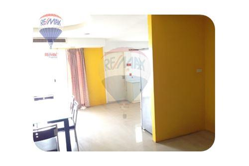 RE/MAX Properties Agency's FOR RENT  REGENT ON THE PARK 1  3BED 250SQM 15